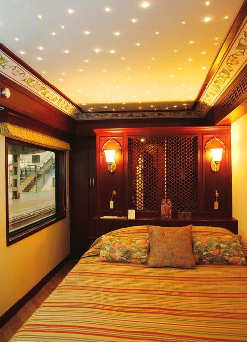 Шикарная спальня в поезде