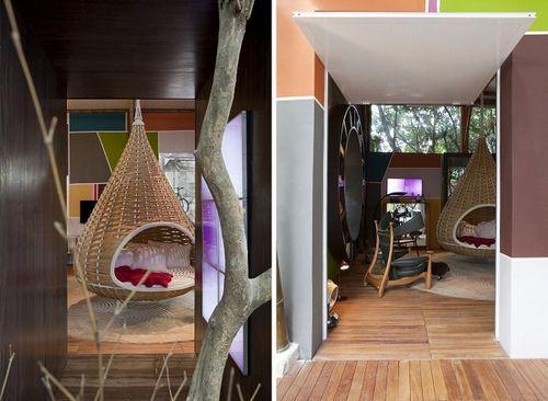 дом, реконструированный по мотивам картин Тарсилы ду Амарал