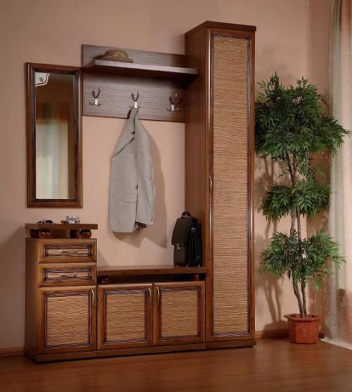 Минимальный комплект мебели для прихожей