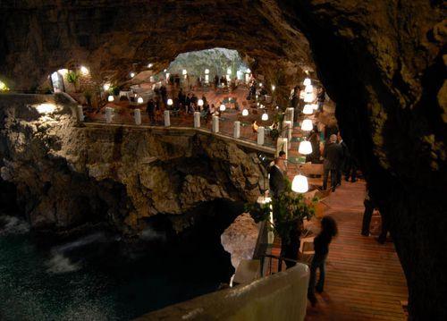 Ресторан в известняковой пещере