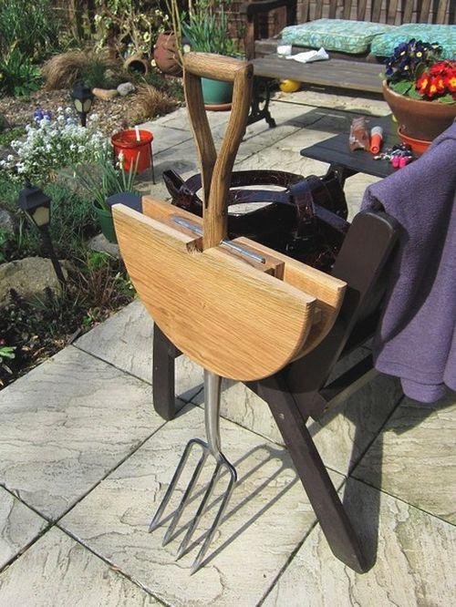 Рабочий столик для сада