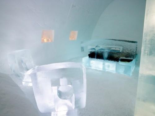 Лед в интерьере