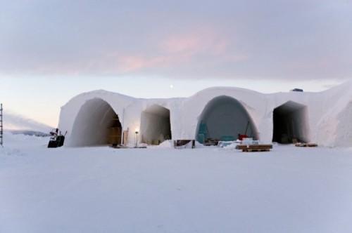 Отель построенный из льда