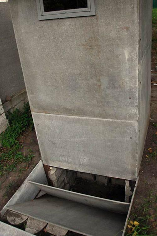 Выгребная яма в туалете