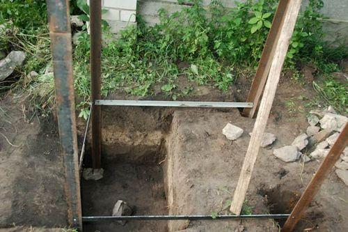 Установка металлического каркаса туалета