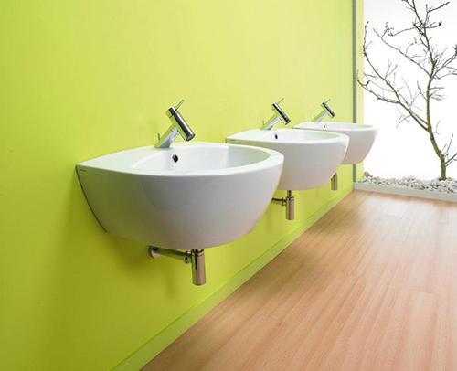 Весенний дизайн интерьера ванной комнаты