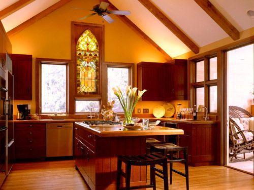Витражи в интерьере кухни