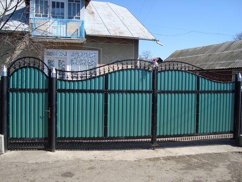 Красивый забор из профнастила своими руками