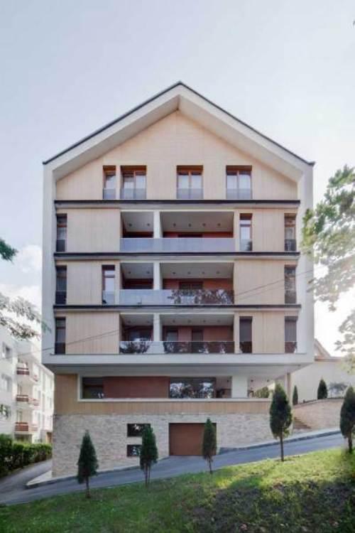 Cetatuia Loft - прозрачные интерьеры лофт-комплекса «на пригорке» от румынских архитекторов