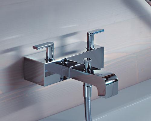 Как установить смеситель в ванной?