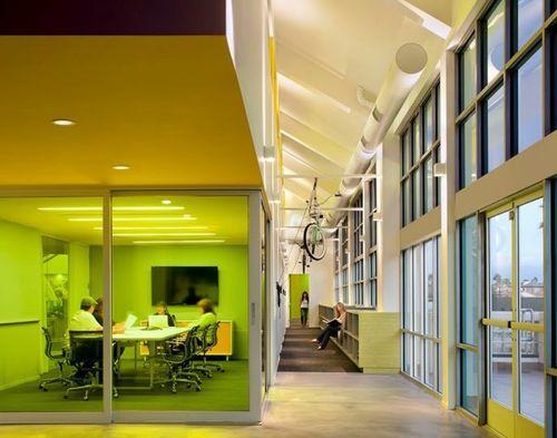 Grupo Gallegos Office – креативное офисное пространство