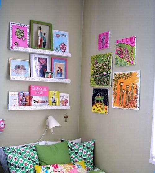 Украшение комнаты картинами