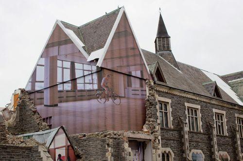 Архитектурная инсталляция зданию бывшей школы Christchurch Normal School