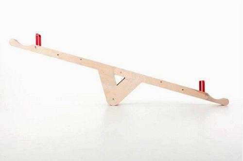Дизайнерская скамья-качели SeasawSeat