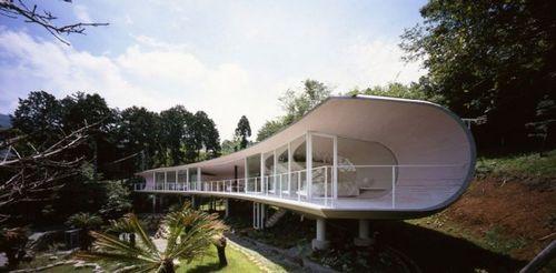 Дом Crescent House в Японии