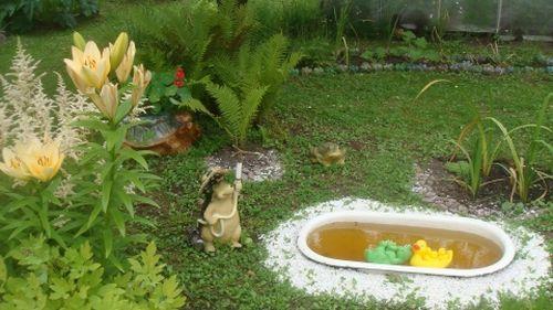 Как сделать прудик из детской ванночки