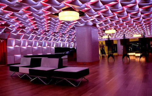 Салон Urbain Lounge в Монреале