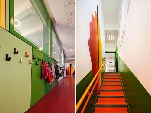 «Радужная» реконструкция парижского детского сада Pajol
