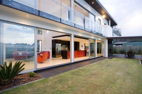 Дом с бассейном в Queensland