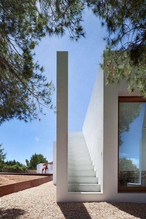 Необычный вход в дом Can Manuel d'en Corda
