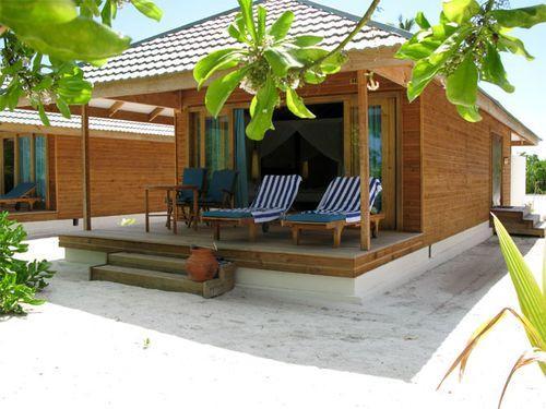 Дом с маленькой террасой