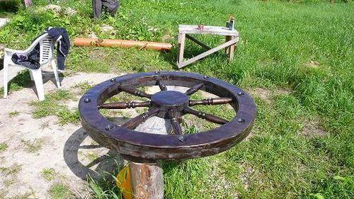 Люстра-колесо. Вскрываем лаком