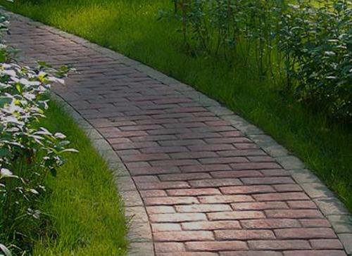 Садовые дорожки из красного кирпича
