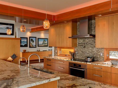 Кухня в доме Hillcrest