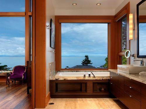 Ванна рядом со спальней в доме Hillcrest