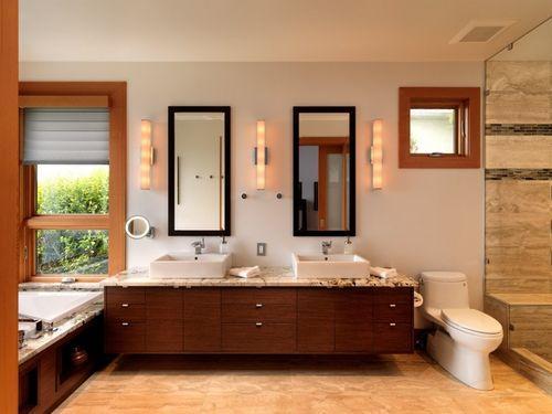 Большая ванная комната в доме Hillcrest