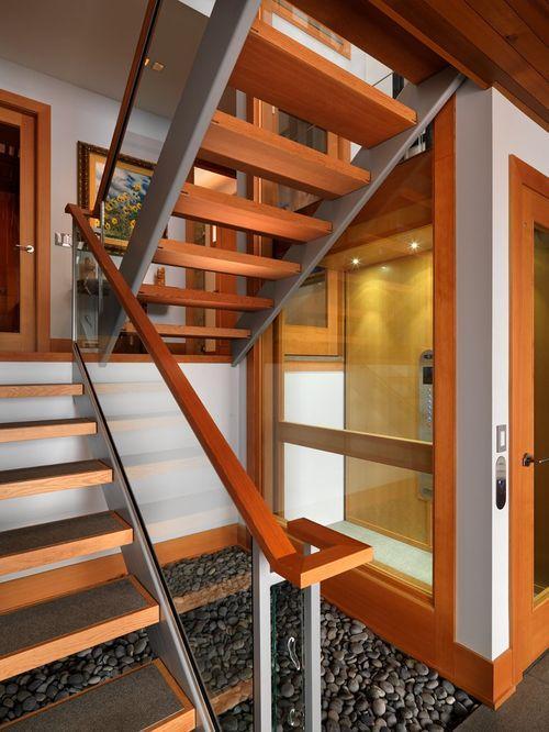 Лестница в доме Hillcrest