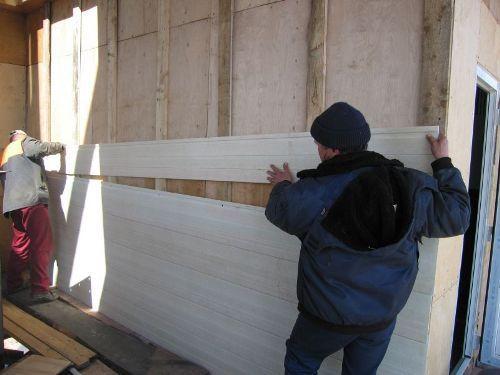 Монтаж пластиковых стеновых панелей