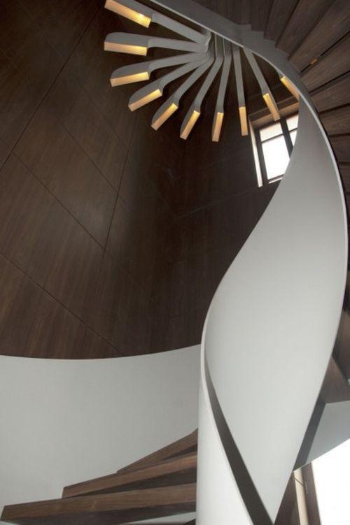 Лестница Spiral Staircase Lighting
