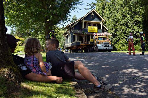 Перевозка домов на автомобиле
