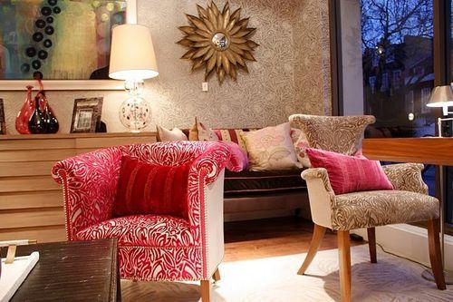 Коралловая обшивка мебели