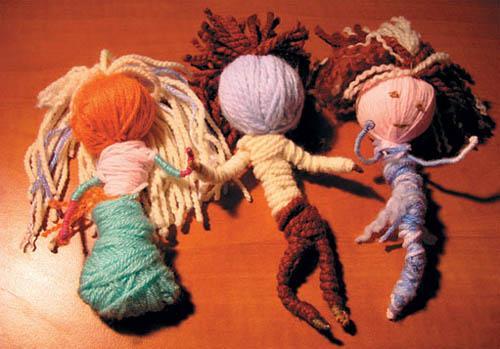 Оригинальная игрушка из шерстяных ниток своими руками