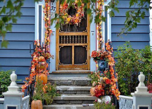 Осенний декор. Украшения входа в дом