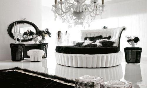 Черно-белый интерьер роскошной спальни