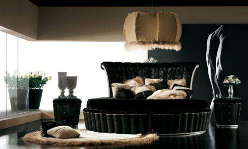 Черная мебель в роскошной спальни