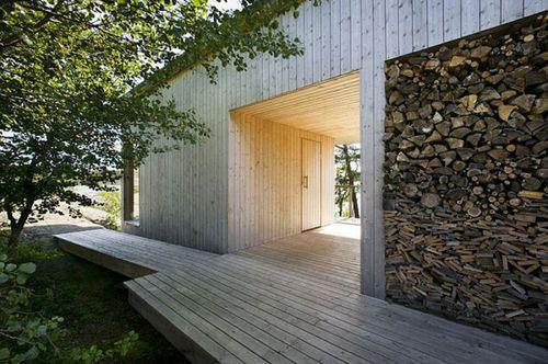 Вилла Mecklin с деревянной террасой