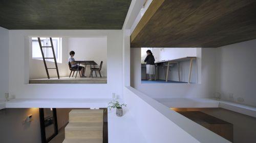 Японские архитекторы создали дом с дырами House T
