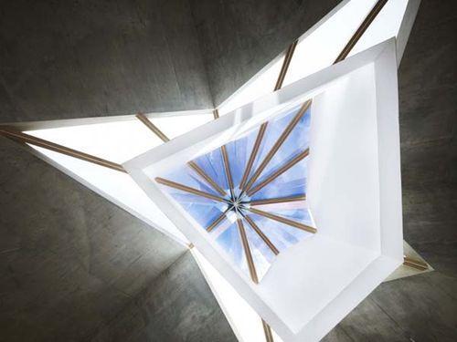 Креативная архитектура музея картин японского художника