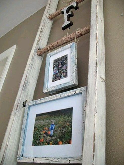 Полки из лестниц под картины
