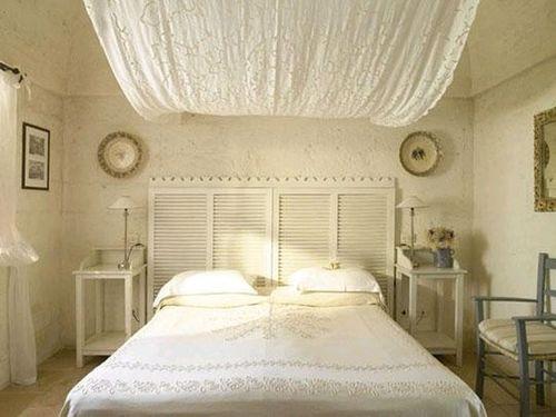 Жалюзи в интерьере спальни