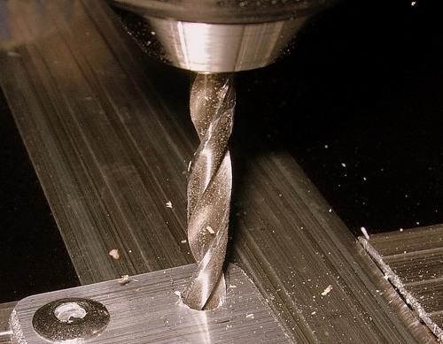 Как правильно сверлить металл