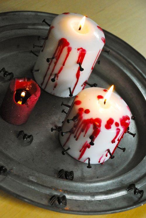 Кровавые свечи с гвоздиками