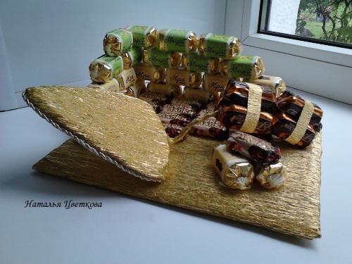 Подарок из конфет строителю 44