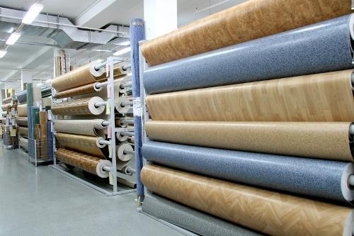 В каждом ли помещении можно уложить рулонные покрытия?
