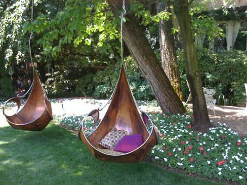 Садовые качели для отдыха