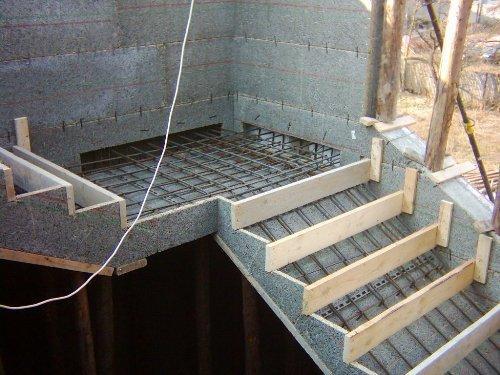 Рекомендации по строительству лестницы из бетона своими руками